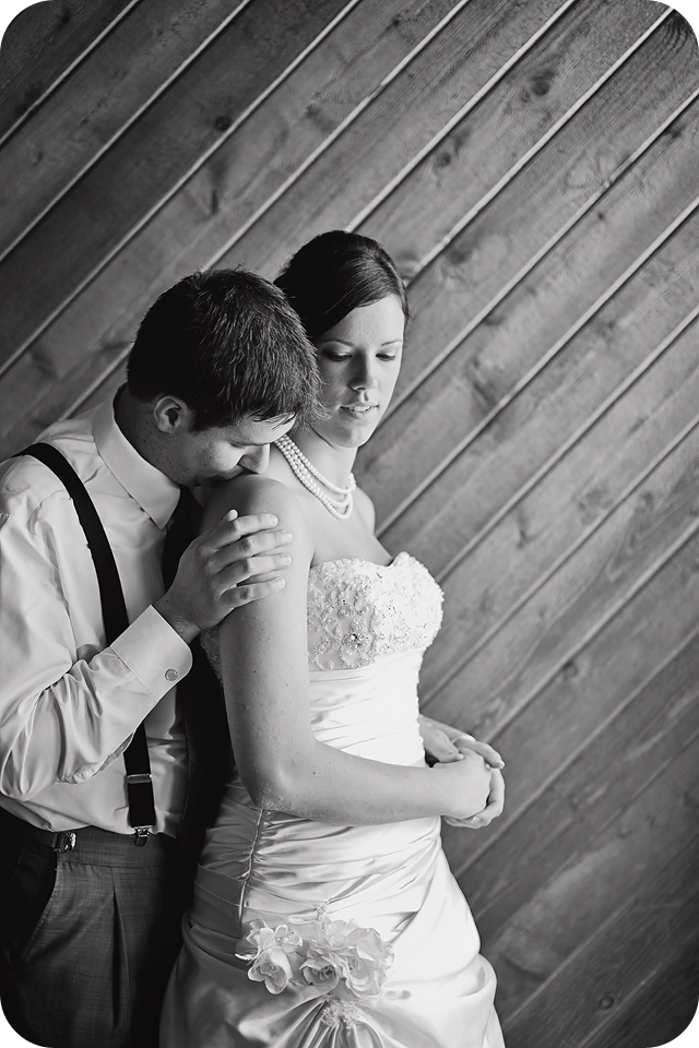 romantic black and white wedding picture