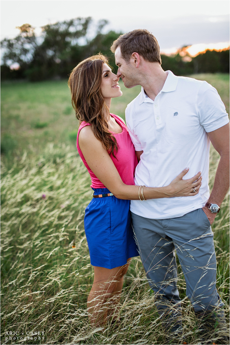 hill country wildflowers engagement pictures