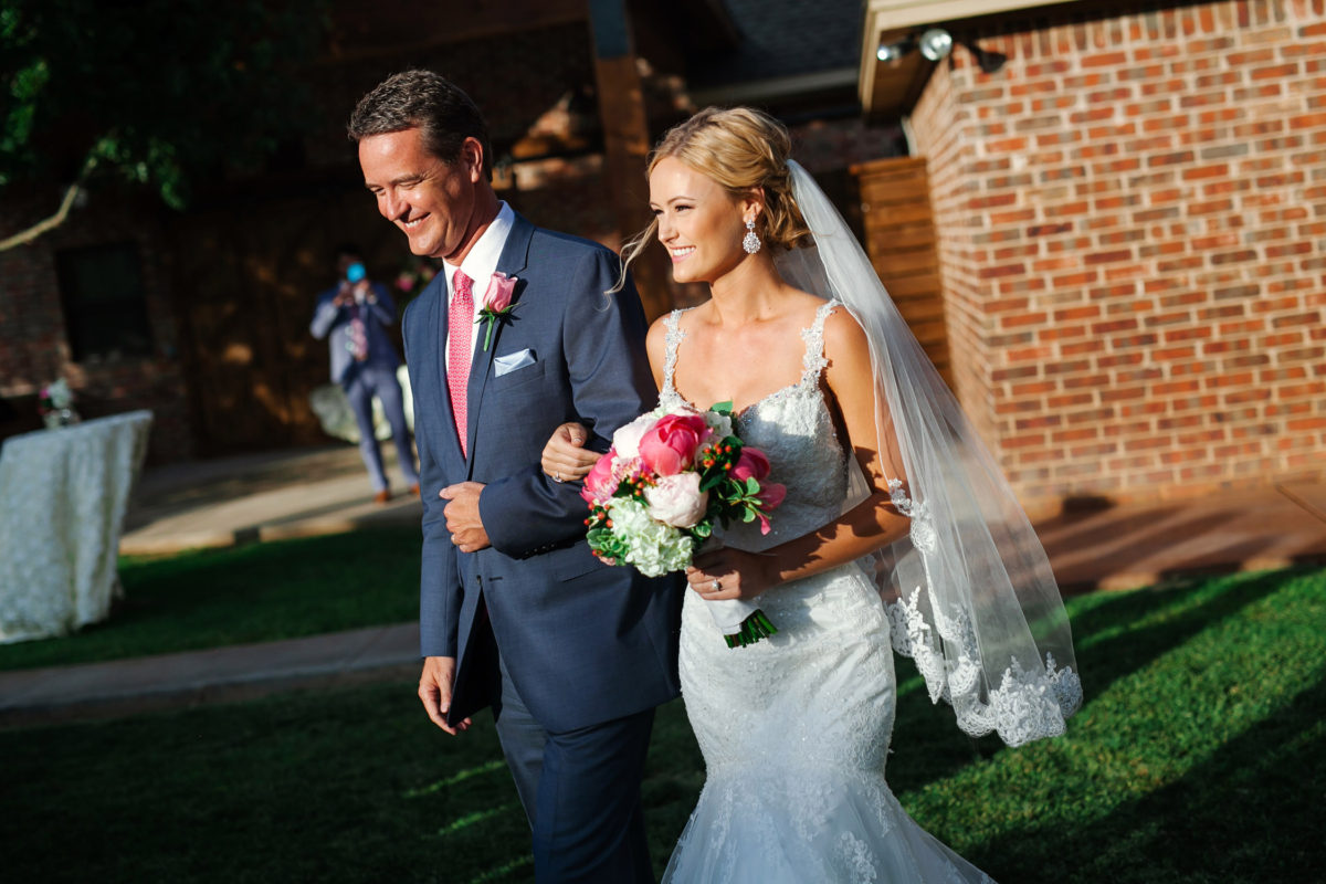 sweet backyard wedding in lubbock texas