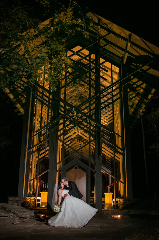 thorncrown chapel wedding photographer